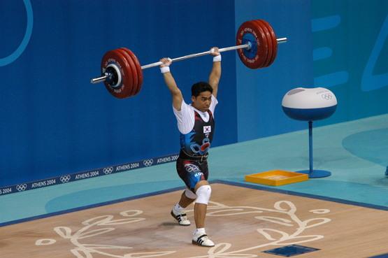 이배영 선수, 2004년 아테네 올림픽 용상 경기 당시