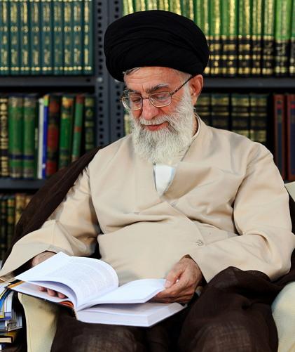 이란 이란의 제2대 '라흐바르'(지도자) 알리 카메네이(1939년 4월 19일 ~ 2020년 현재)
