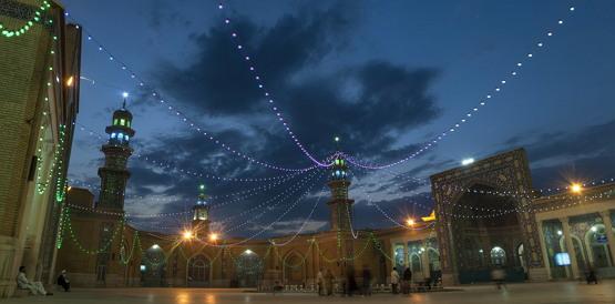 곰에 있는 모스크의 모습 (출처: Hamid Reza Rahmani, CC BY SA 4.0)