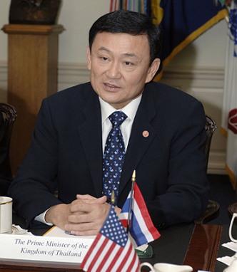 탁신 친나왓 (1949~ 현재). 2001년 총리에 올랐고, 2006년 쿠데타로 실각했지만, 그 이후로도 태국 정치의 신화적 존재로 영향력을 행사하고 있다. (출처: Helene C. Stikkel, 퍼블릭 도메인)