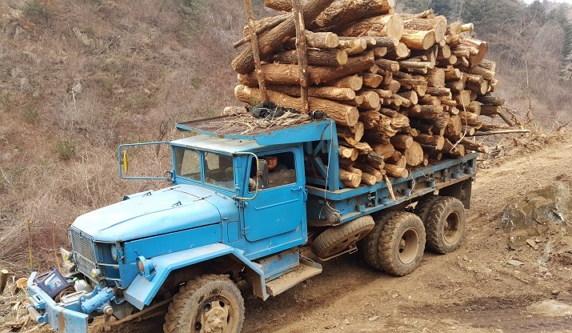 산판의 레전드 제무시(GMC) 트럭
