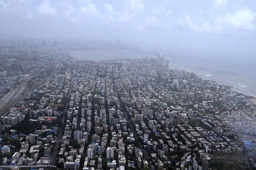 인도의 상업 중심지이자 세계에서 가장 많은 영화를 제작하는 '발리우드'의 본고장 뭄바이